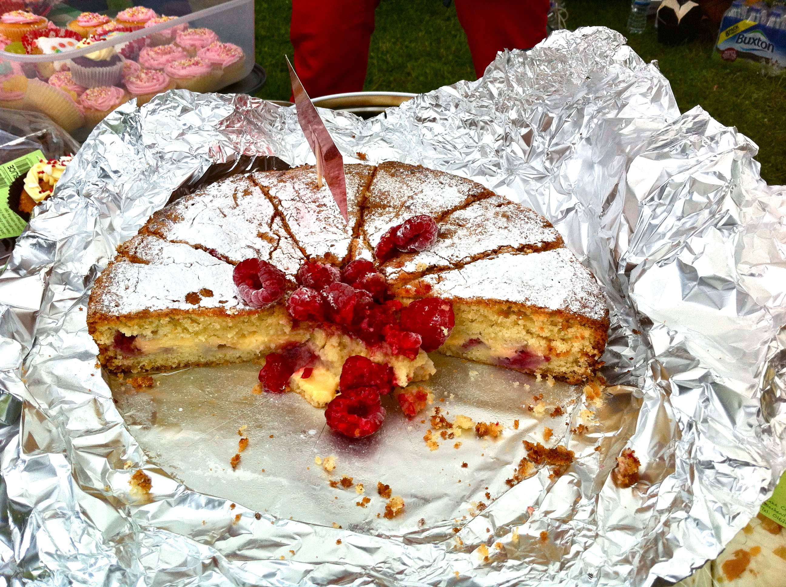 Raspberry and custard cake